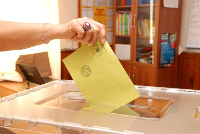 2235 sandıkta 725903 seçmen oy kullanacak