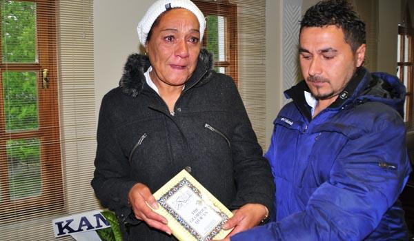 Müslüman olan İngiliz kadın gözyaşlarını tutamadı