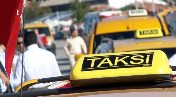 Taksicilerden Büyükşehir'e Sarı Eylem..