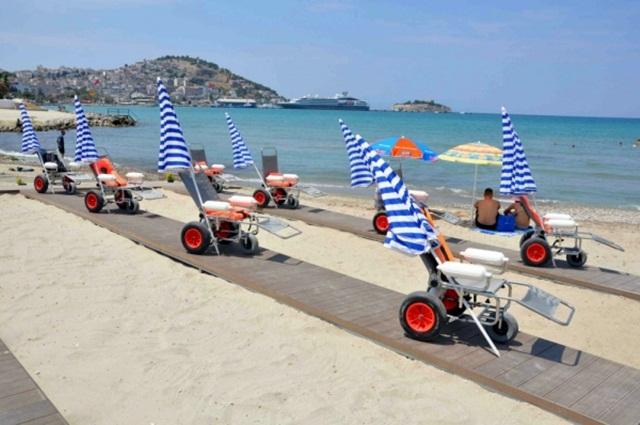 Plajları engelliler için düzenleyecek