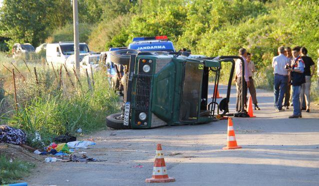 Safari aracı kaza yaptı: 2 turist öldü