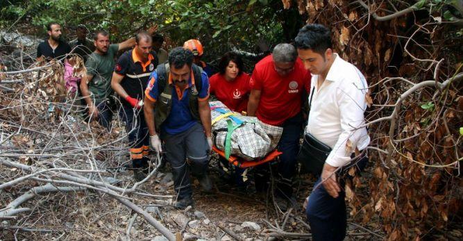 90 metreden kayalıklara düşen öğretmen hayatını kaybetti
