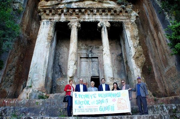 Amintas'tan kültür sanat öesajı verdiler