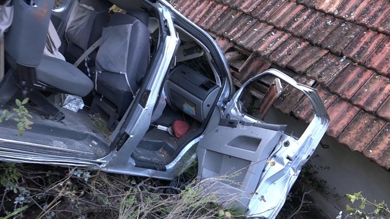 El Freni Çekilmeyen Araç Aşıklar Tepesinden Uçuruma Düştü ( Video Haber )