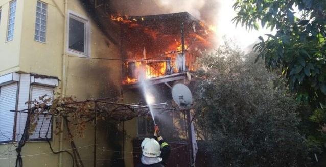 Ev yangını ucuz atlatıldı