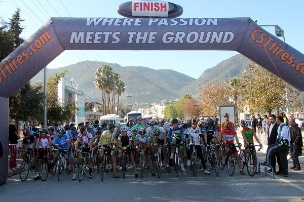 Fethiye Yol Bisiklet Yarışları başladı