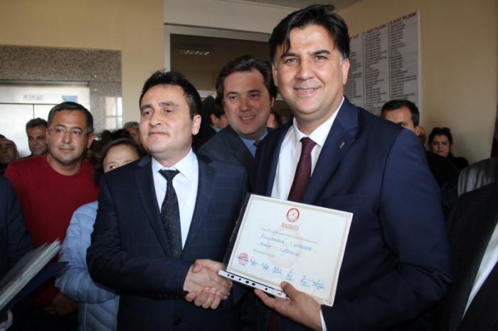 Fethiye Belediye Başkanı Alim Karaca Mazbatasını Aldı