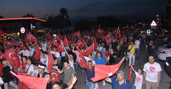 Fethiye Demokrasi Nöbetinde