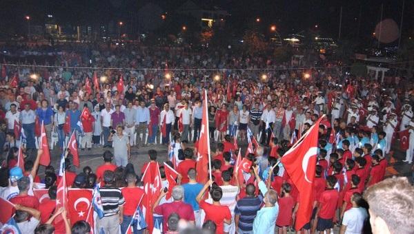 Fethiye Demokrasisine sahip çıkıyor