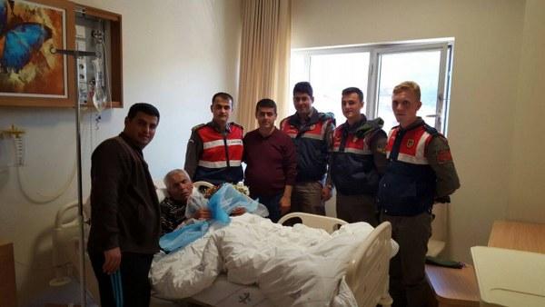 Jandarma'dan Şafak amcaya ziyaret