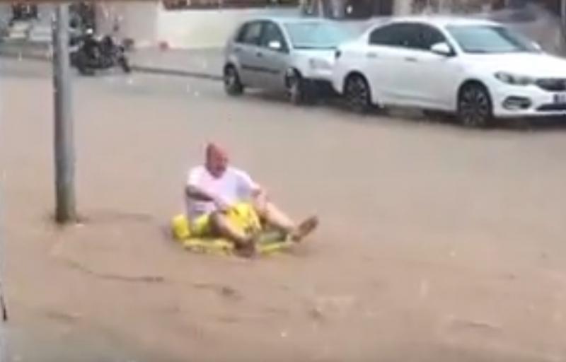 Ölüdeniz Sokaklarında Rafting yaptılar(Video)