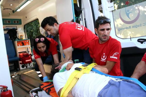 Ölüdeniz'de Motorlu Yelken Kanat Düştü: 2 Yaralı