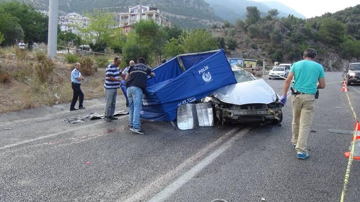 Ölüdeniz'de trafik kazası: 1 turist öldü