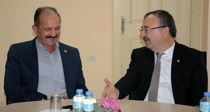 Saatcı CHP ve AKP'de