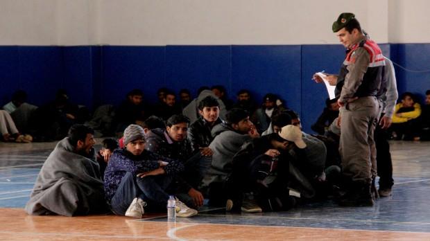 Seydikemer'de 145 mülteci yakalandı
