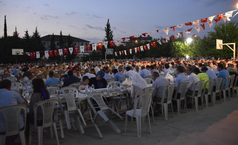 Seydikemer'de 2 Bin 500 Kişi İftarını Birlikte Açtı