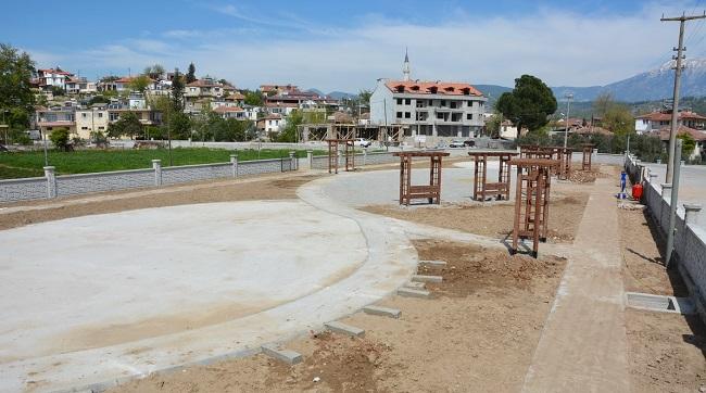 Seydikemer'e iki modern park yapılıyor