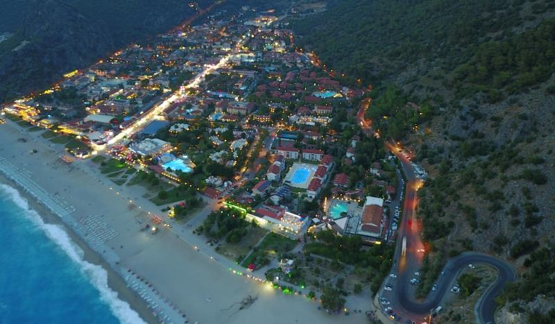 Tatilciler Fethiye'ye akın ediyor