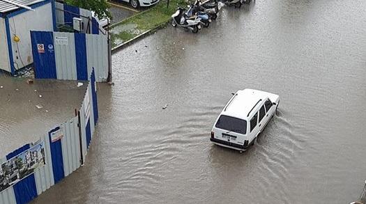 Yağmur Fethiye'yi felç etti