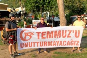 AK Parti ilçe başkanından havada 15 Temmuz mesajı
