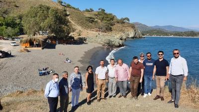 CHP'li Erbay: Yasakları fırsat bilip halkın plajını gasp ettiler