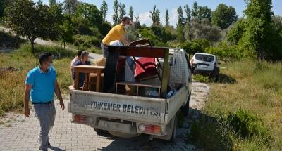 Seydikemer Belediyesinden İsmail Dede'ye Eşya Yardımı