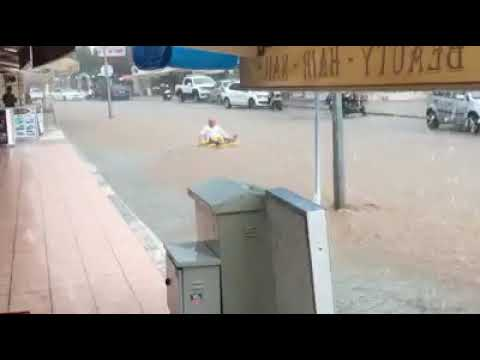 Ölüdeniz Sokaklarında Rafting yaptılar