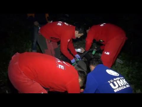 Dolu Yağınca Paraşüt Kazası Yaptı