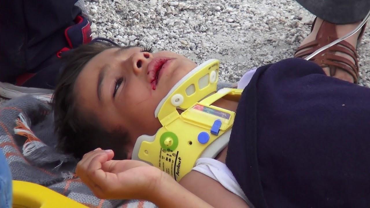Karabel'de Otomobil ile Kamyonet Çarpıştı: 5 Yaralı