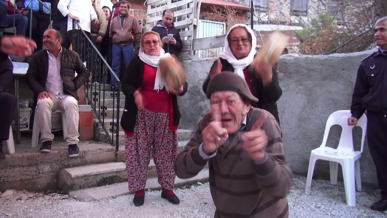 Delbekçiler Çaldı, Demir Amca Oynadı İzleyenler Kahkaha Tufanı Yaşadı