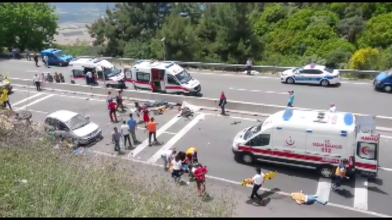 Tur Midibüsü Faciası 24 Kişi Öldü 10 Kişi Yaralandı