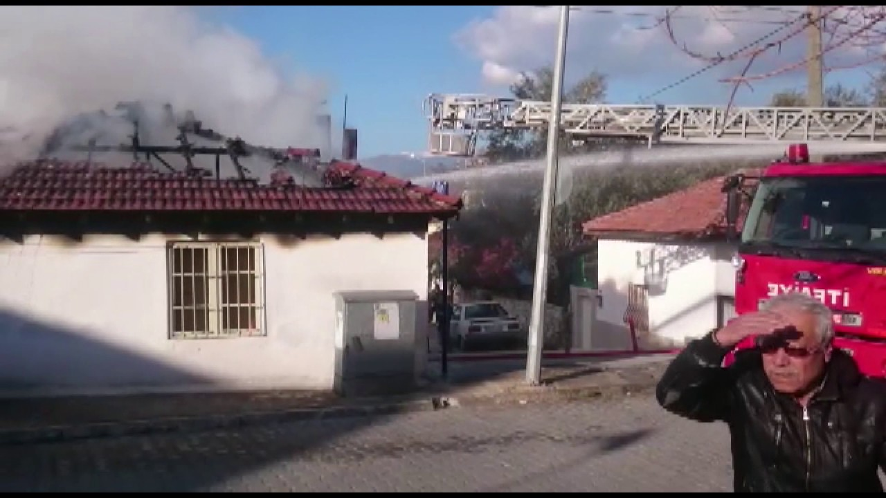 Kısa sürede büyüyen yangın evsiz bıraktı